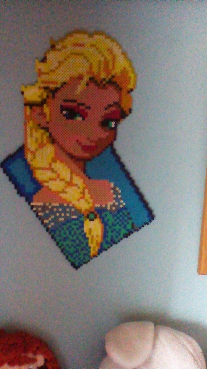 It is the Frozen Girl Elsa. It costs 17€.