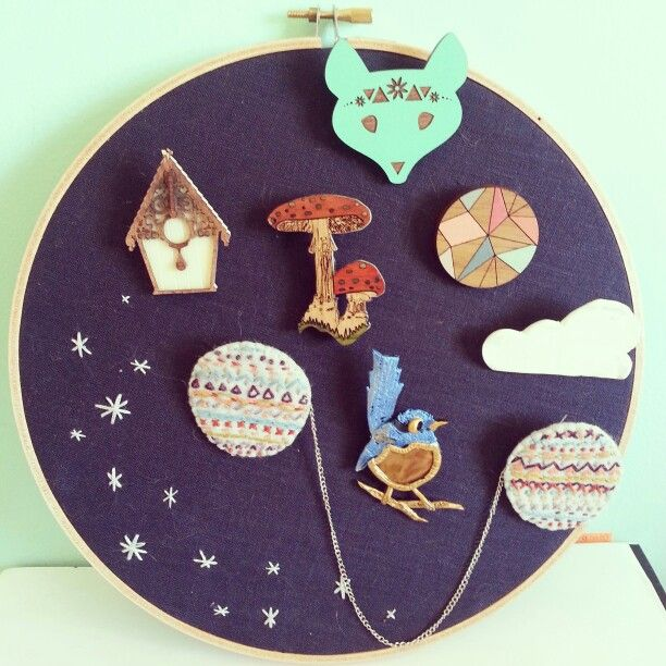 Displayed In This Embroidery Hoop Is A Fantastic: 1000+ Ideas About Brooch Display On Pinterest
