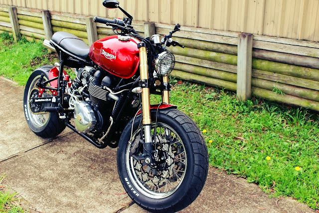 "Racing Cafè: Triumph ""Mad Max"" by Mean Machines Customs"