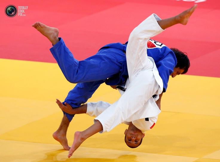 Coolest Sports Pic Of 2012 Week 30: Judo Matching, London 2012, France Sofian, 32 Judo, Men 60Kg, London Olympics, Georgia Betkili, 2012 London, Men'S 60Kg