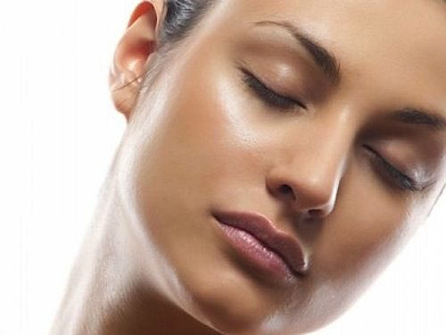 What Causes Dark Brown Spots And Hyperpigmentation And The Best Skin Lightening Products To Treat Them