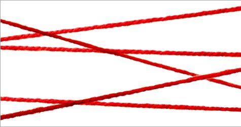 Ik wil rood draad erom heen wikkelen. Ik wil het graag rood hebben om dat, dat de kleur van bloed is. Want de omstandigheden in de fabrieken waar de kinderen werken zijn erg slecht. Hierdoor zijn er vaak ongelukken in de fabriek.