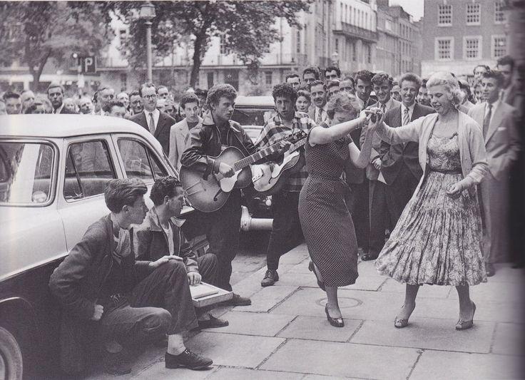 Dancing in the street, 1950s viajustanotherwasteddream