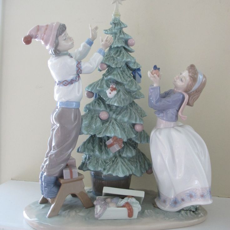 Pin by Terri Shelton on Lladro | Christmas figurines ...