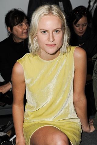 fresh faced simplicity - Olympia ScarryCalvin Klein, Fresh Face, Face Simplicity, Olympia Scarry
