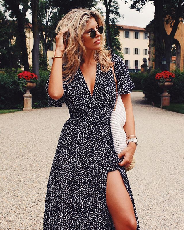 Pin for Later: 19 Flattering Summer Outfits For Girls With Big Breasts A Printed Wrap Dress With a Forgiving Neckline