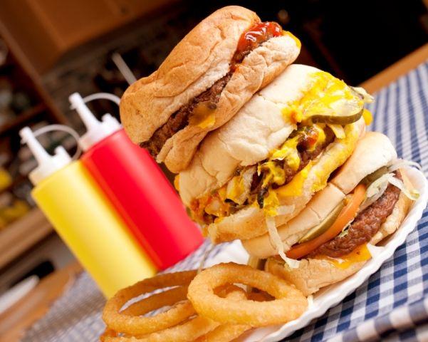 Mituri si adevaruri despre #mancarea #fastfood. #nutritie #dieta #calorii #vitamine