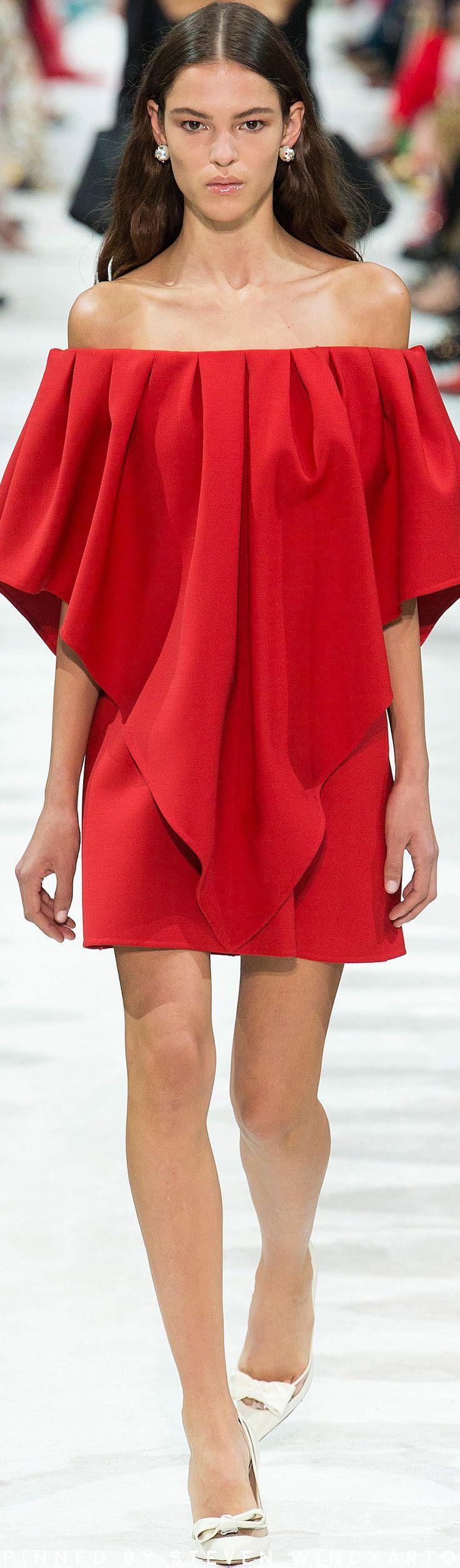 Valentino Spring 2018 Fashion Show #spring2018 #ss18 #womenswear