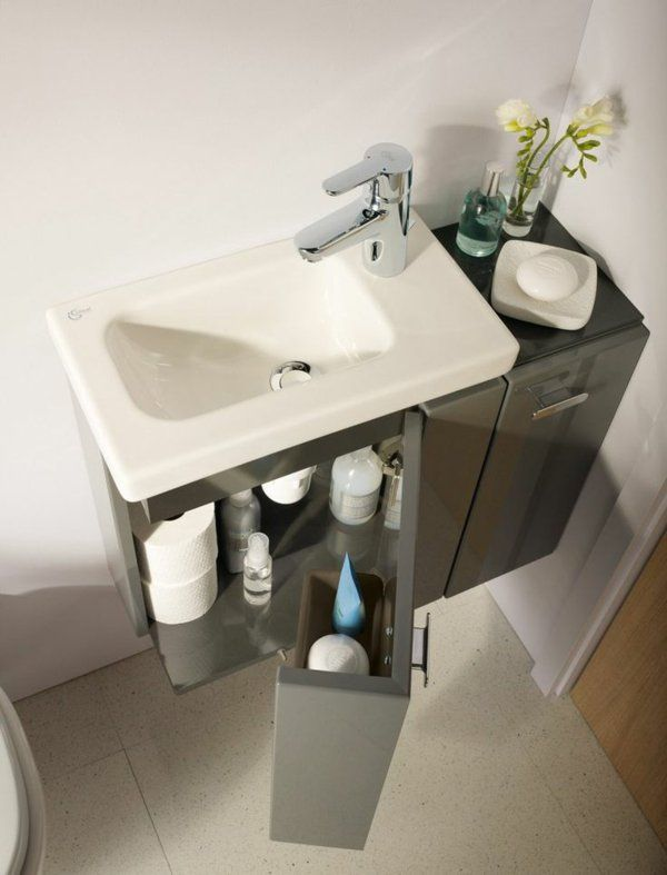 Small, narrow and long sink, and fully equipped and comfortable. I like the empty space underneath for your feet. (website in German) | Tiny Homes