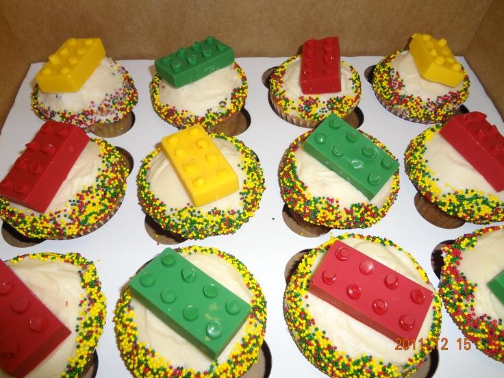 Lego Cupcakes! Looking forward to the opening of the Lego movie this week! #legomovie, #lego http://www.thelegomovie.com/