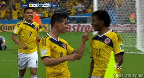 Colombian players dance after James Rodriguez 2nd goal [Uruguay-Colombia] | GIF Section