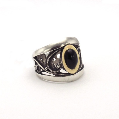 Silver, jet and gold ring. Handmade in Galicia. Artcraft of The Way of Saint James. Tax free $59.90