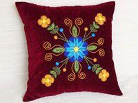 Descubre esta hermosa colección de cojines decorativos con bordado Ayacuchano. Somos productores.