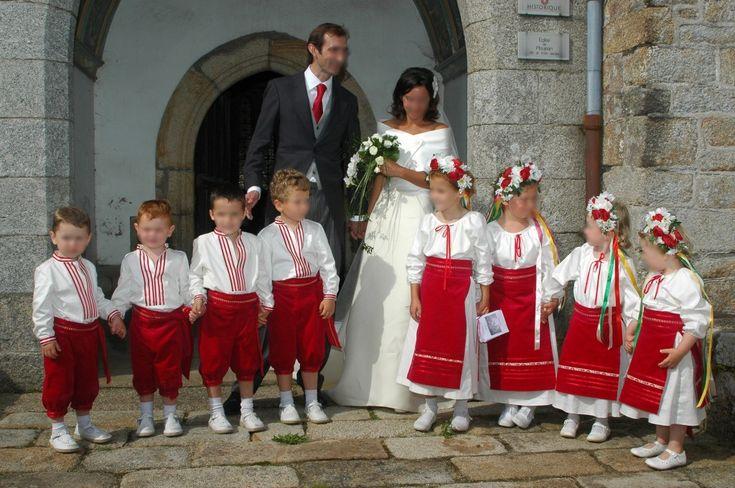 enfants d honneur tenues traditionnelles d ukraine