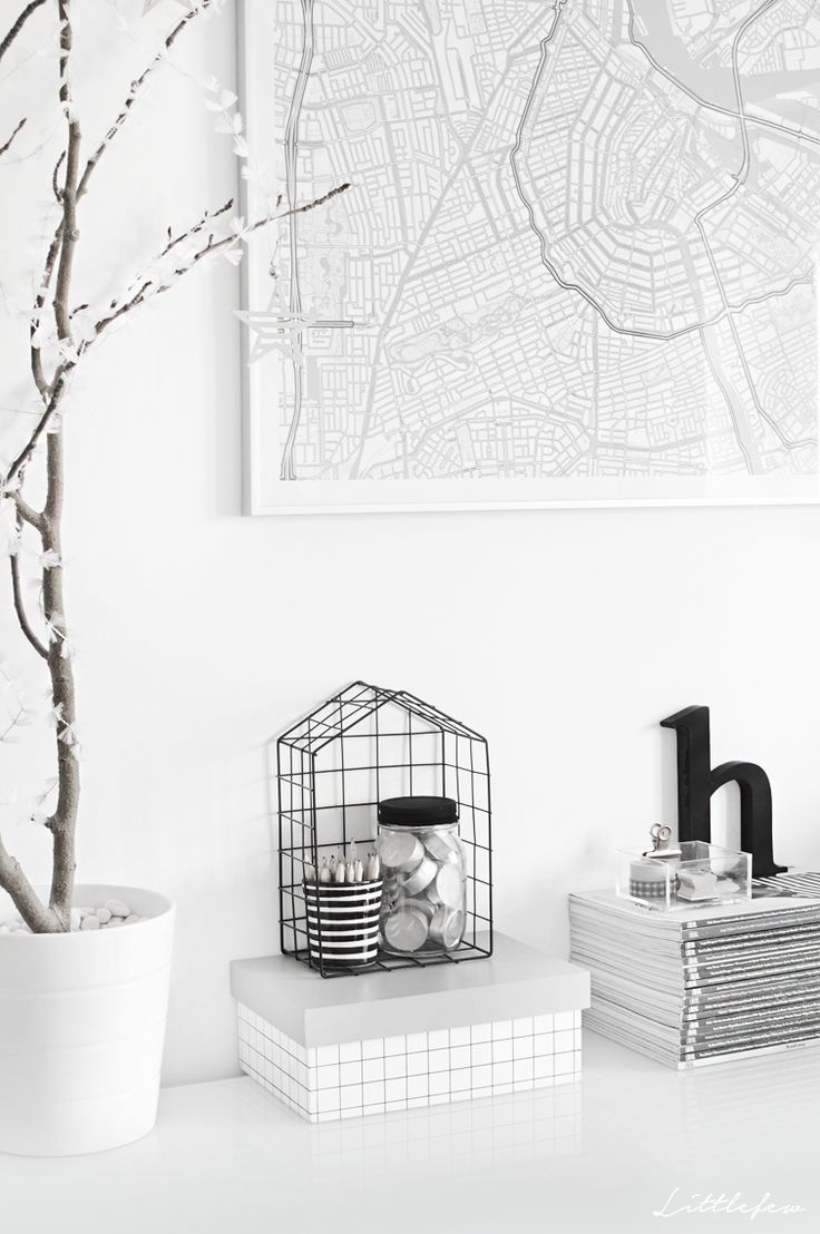 Littlefew Blog // GIVE AWAY - WIN A MAP OF YOUR FAVORITE CITY! courtesy of Geogragift ;) Maps, Home Details, Give away, white, grey, Amsterdam, Littlefew Home, Sorteo, mapa personalizado, paredes, wall deco, home design.