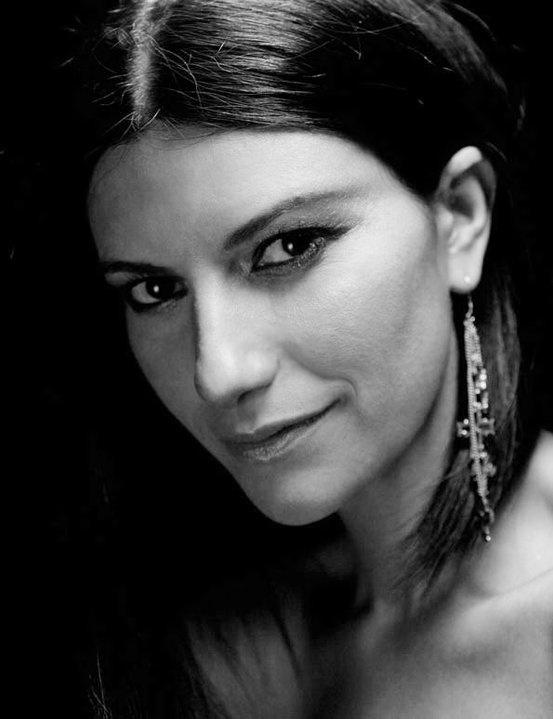 Italian pop singer songwriter Laura Pausini laurapausini.com