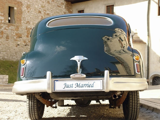 MarriedCars Join, Cars Inspiration, Turquoise Wedding, Retro Wedding, Getaways Cars, Wedding Cars, Wedding Pictures, Couples Cars, Blue Ideas