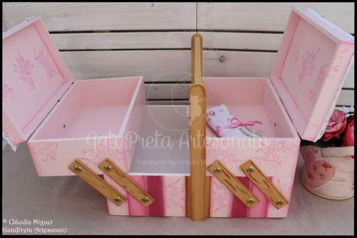"""Caixa para maquilhagem e manicure """"Soft Roses"""""""
