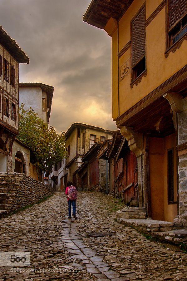 Safranbolu - Pinned by Mak Khalaf Karabük / Turkey City and Architecture architecturebuildingcitykarabükoldsafranbolustreetstreet photographytravelturkey by aergenea