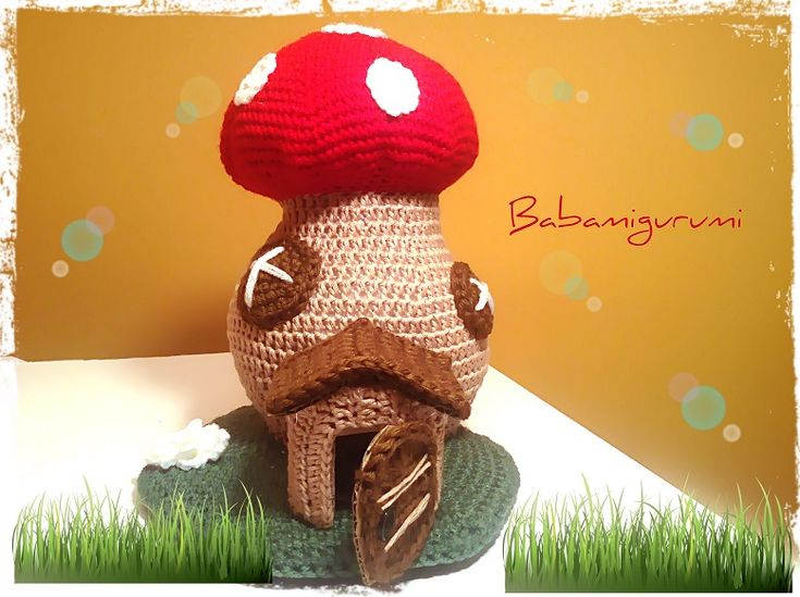 Crochet fairy tail mushroom house - free pattern