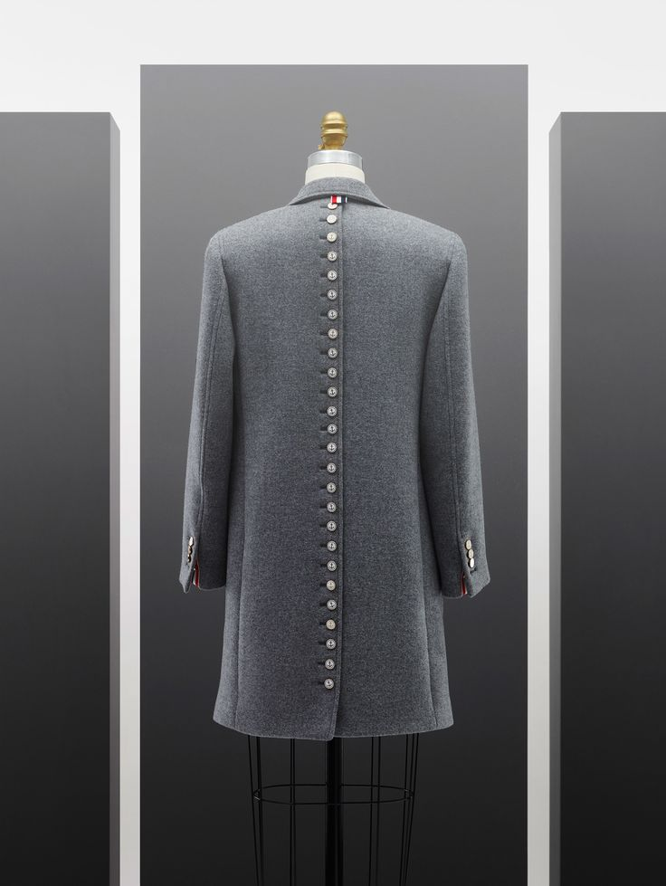 http://www.vogue.com/fashion-shows/pre-fall-2017/thom-browne/slideshow/collection