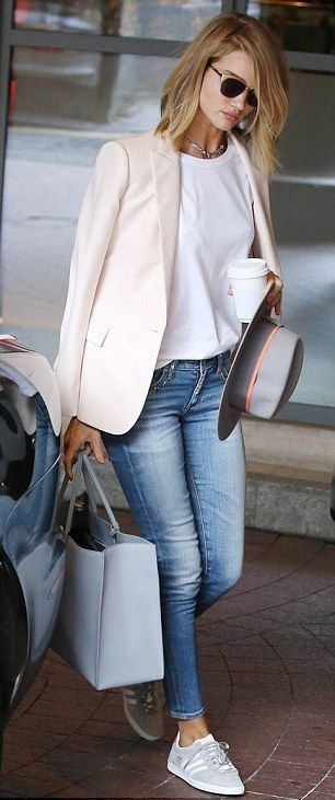 blazer. tee. skinny jeans. street style. (Beauty Fashion White Sneakers)