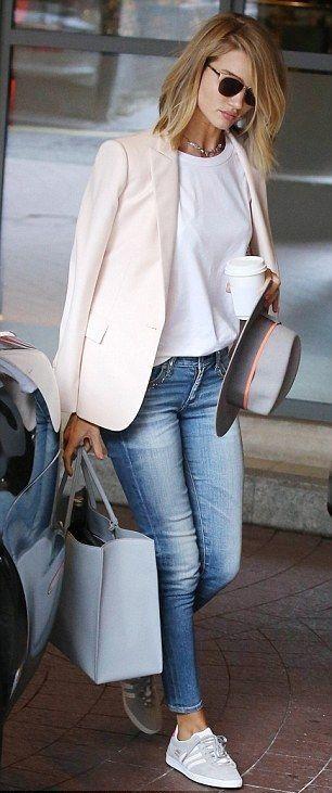 blazer. tee. skinny jeans. street style.