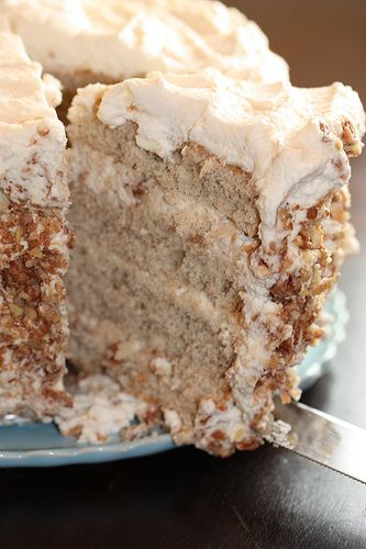 Banana cake with praline filling and white chocolate ganche