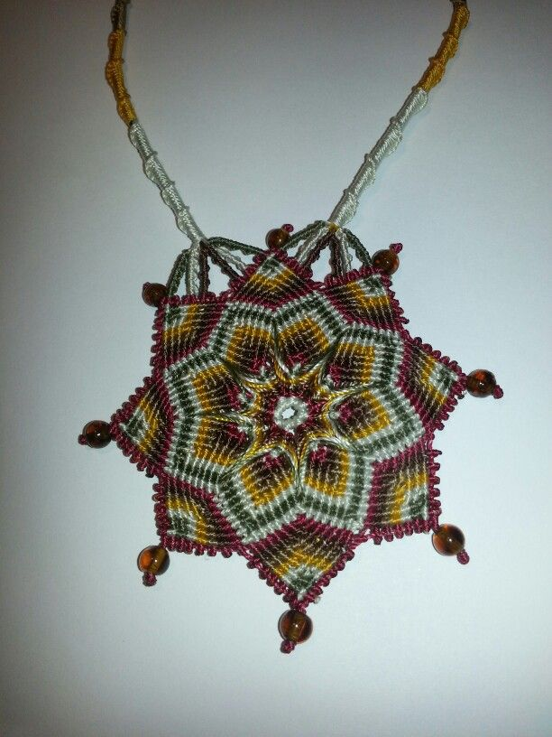 Flower macrame necklace