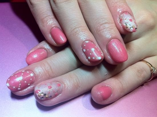 Nail with pink dotsPink Dots, Nails Design