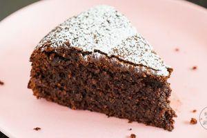 Saftiger Schokoladenkuchen ohne Mehl und Nüsse