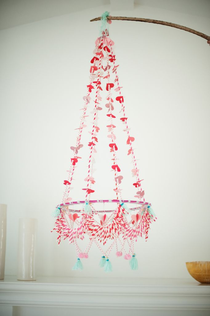 Colourful chandelier DIY - so cute for a kid's room!