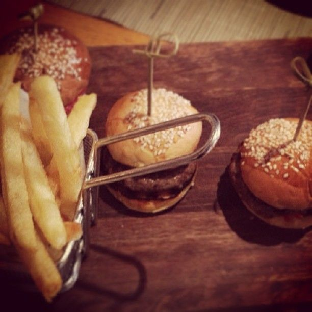 Mini burgers at NEW Taste, NEW Hotel restaurant By @yeshotelsgroup #newhotel #restaurant #burgers #fries #food