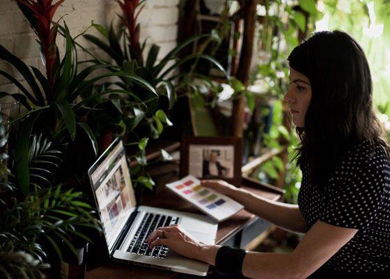 Eco-chick; blogger/earth dweller