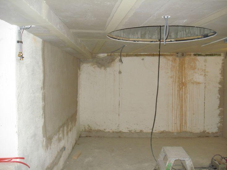 29 november: Innertak är på plats. Här ser vi BV mot hål för trappa och plats för skjutdörrsgarderob.