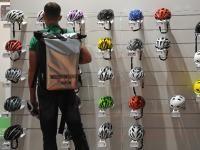 Was für und gegen Fahrradhelme spricht