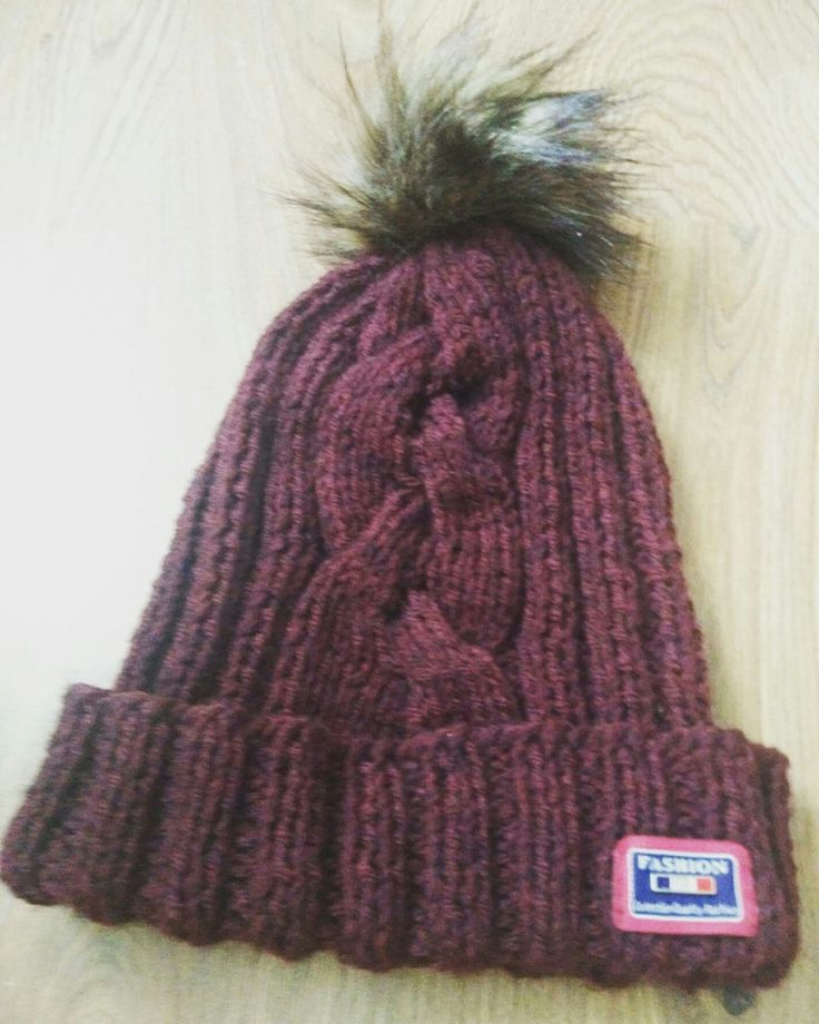 Knitted this hat recently ❄ ready for winter