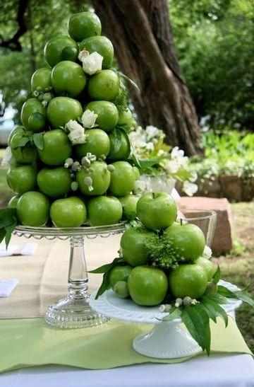 Сервировка свадебного стола яблоками