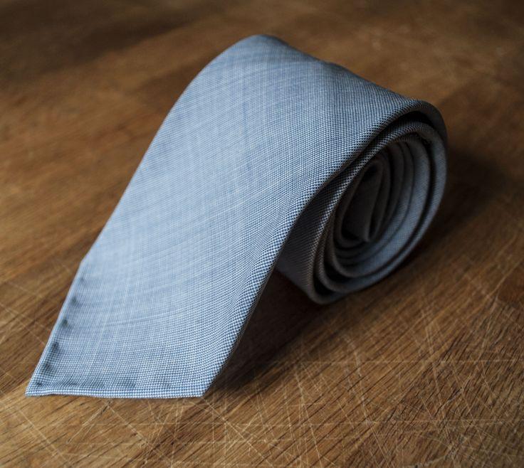 Médoc necktie. Hand-stitched in Sweden.