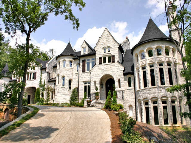 1000 images about castle style homes on pinterest for Modern castle house plans