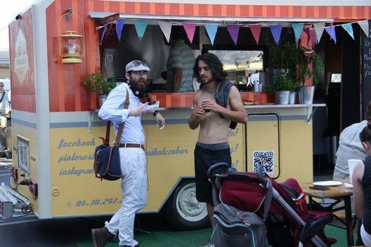 De jó volt sörözni és enni - részletes - diningguide.hu #piknikutczabar, #food truck Budapest