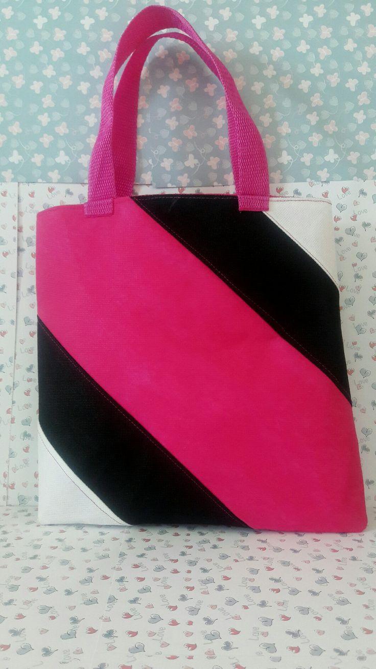 These bags are made of non-woven fabric Elaborado en tela Quirurgica