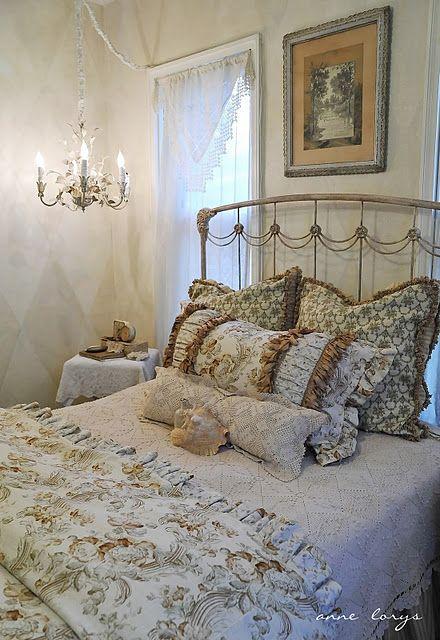 Die 22 besten Bilder zu Romantic home decor auf Pinterest - romantische schlafzimmer landhausstil