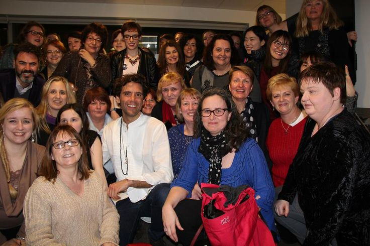 Mika & some fans after the 3rd OSM gig