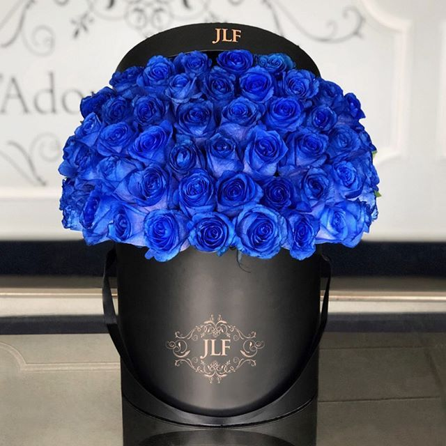 Signature Blue Rose Boxweve Got A Lot Of Blue Roses This Week Flower Delivery Fresh Flower Delivery Mothers Day Flowers