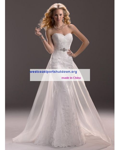 A Classic Favorite Sweetheart Maggie Sottero Lucy-3MS760