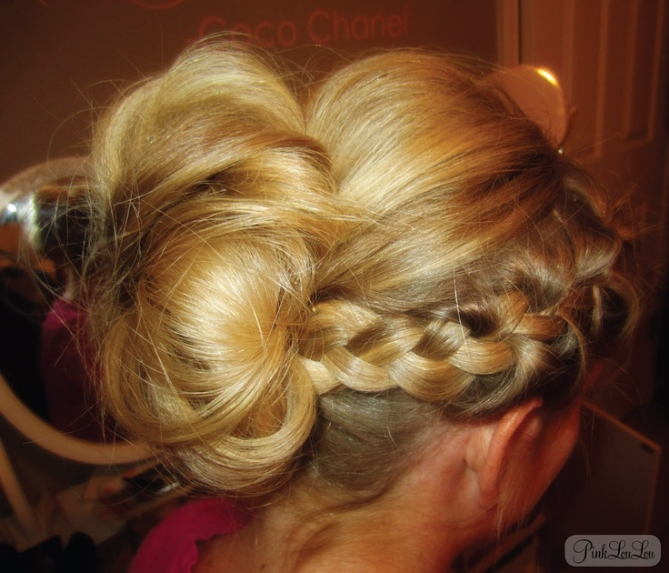 Confessions of a 20 SomethingHair Beautiful, Hair Ideas, Hairstyles, Pinklouloulov Com, Hair Tutorials, Hair Style, Side Braids, Messy Bun Tutorials, Messy Buns Tutorials