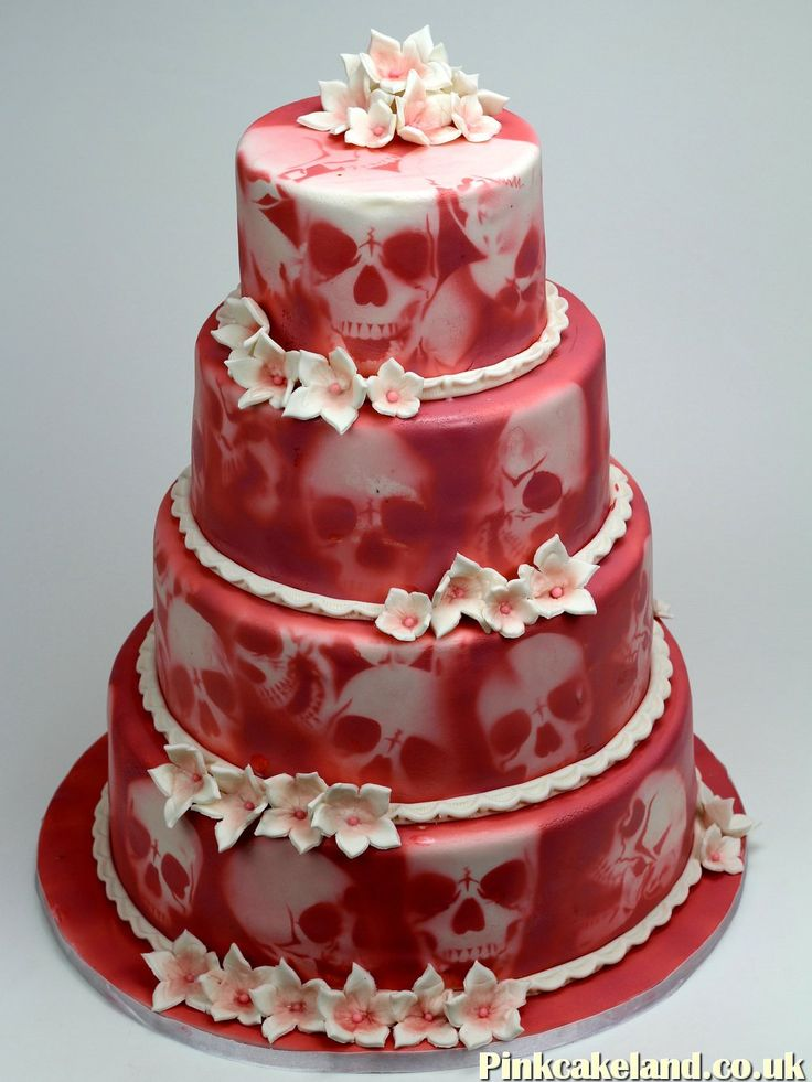 Skulls Wedding Cake In London More Weddingcakes Http Www Pinkcakeland