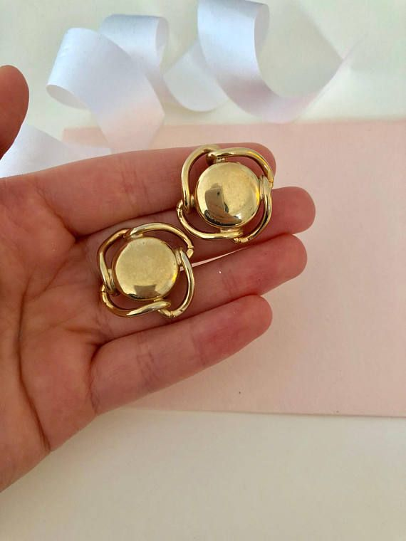 Vintage Earrings - Screw Back Earrings - Clip Earrings - Clip on Earrings - Gold Earrings - unique Earrings - Rare Jewelry - Costume Jewelry
