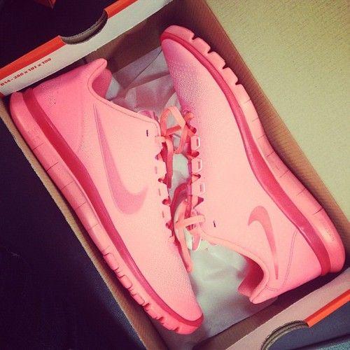 buy cheap Pink Nike ... I want :)